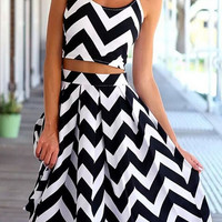 2Pcs Chevron Print Cropped Top Mid Skirt Sets
