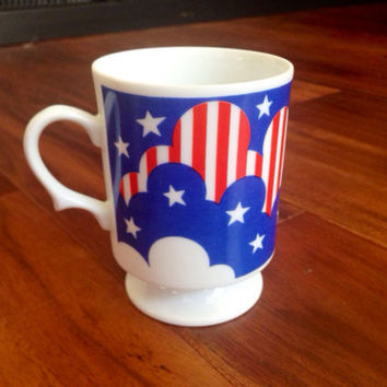 Retro Coffee Mug American Flag Cute Cloud Design Funky Handle Red White Blue Patriotic Trippy Americana Mug hippy Peter Max Style 60s 70s