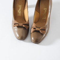 1960s Taupe Bow Heels