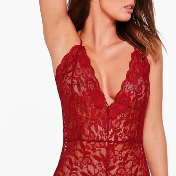 Lilly Scallop Edge Lace Cross Back Body | Boohoo