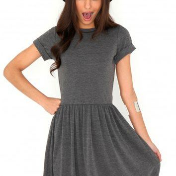 Missguided - Aliveta T-Shirt Skater Dress In Grey