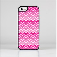 The Pink & White Ombre Chevron V2 Pattern Skin-Sert Case for the Apple iPhone 5/5s