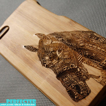 Engraved Horse iPhone Case, Wood iPhone 4/4s/5/5S case, Horse Walnut Wood iphone case, Bamboo wood iphone case,Engraving laser,iphone cover