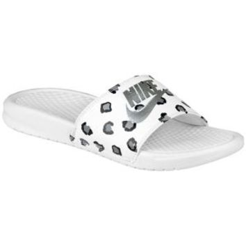 5a9959749 Nike Benassi JDI Slide - Women s from Foot Locker