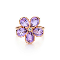 Tiffany & Co. - Tiffany Sparklers flower ring in 18k rose gold with amethysts and a diamond.