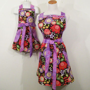 Mom Daughter Apron Set-Floral Print with lavender--Made in the USA----