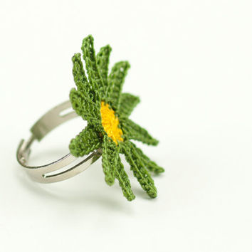 Crochet Lace Green Daisy Ring - Adjustable Daisy Ring - Statement Ring – Green Yellow -Jewelry Handmade - Fiber Art Jewelry
