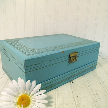 Vintage Turquoise Wooden Mele with Gold Trim Jewelry Box with 3 Color Velvet Interior & Original Key - Retro 3 Tiers Oversized Display Chest