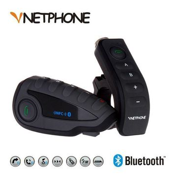 ONETOW 2017 A Pair V8 BT Intercom Motorcycle 5 Riders Bluetooth Communication System Helmet Headphone Walkie Talkie NFC Remote Control