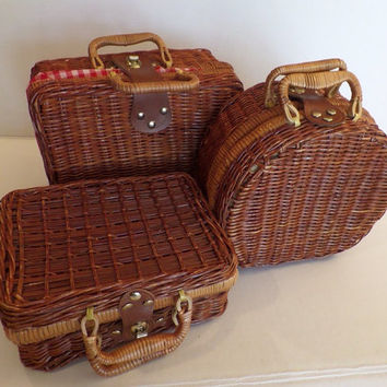 Vintage Wicker Lunch Tote Purse Craft Sewing Box