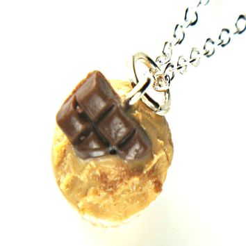 chocolate peanut butter cupcake necklace