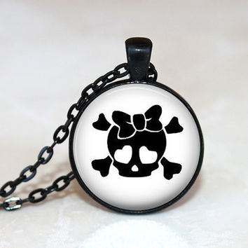 Skull necklace, cute skull, girl skull, skull jewelry, skull and bow, cute pendant, black jewelry, resin jewelry, gifts for teen, cute skull