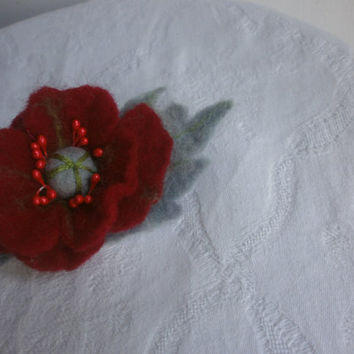 Felt  brooch, green red gray felt flower brooch,felt flower,red brooch,poppy brooch,felted wool jewelry,felt pins,art,scarf,gray accessories