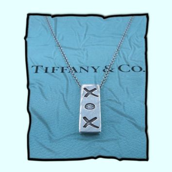 Tiffany & Co Paloma Picasso XOX Sterling Silver Diamond Necklace Fleece Blanket