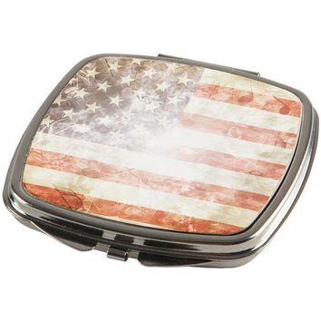 DCCKU3R 4th of July American Flag Star Spangled Banner Compact