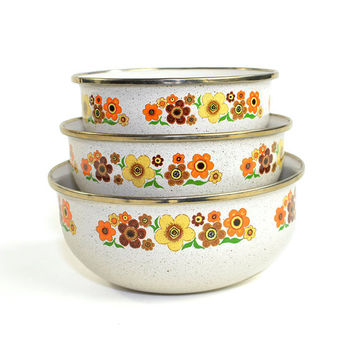 Retro Enamel Nesting Bowls (Set of 3) - Funky Flower Design in Orange, Yellow Brown - Enamelware Collectible - Vintage Home Kitchen Decor