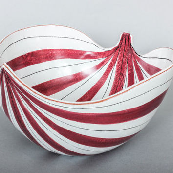 Large Stig Lindberg Gustavsberg Sweden Fajance Red and White Striped Leaf Bowl