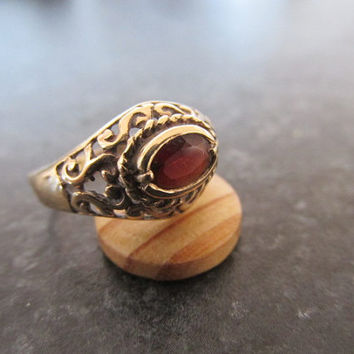 SPECIAL PRICE and free postage Vintage garnet 9ct gold ring Victorian style US size 6 estate.