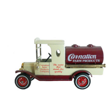 Vintage Matchbox Model Car Toy Models of Yesteryear 1912 Ford Model T Tanker Carnation Farm Products Delivery Truck 1978 - Made in England