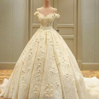 Luxury flowers wedding dress with off the shoulder straps wedding dress 2017