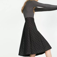 Black Jacquard Classic Knee-Length Pleated Skirt