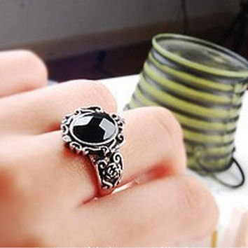 Women Vintage Carving Black Gem Stone Ring Boho Magic Mirror Rings SM6