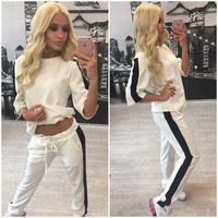 (2 Pcs) Women's Trending Popular Fashion Floral Printed Sports Sweatshirt Sweatpants Blouse Top Pants Set _ 9021