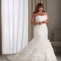 Strapless Gown Offers Mermaid Silhouette Pleats Curved Neckline Fitted Bodice Organza Plus Size Wedding Dress YSP1201 - $155.77 : Maxnina.com