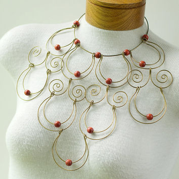Brass Wire Necklace Wooden Beads Vintage by My3Chicks on Etsy