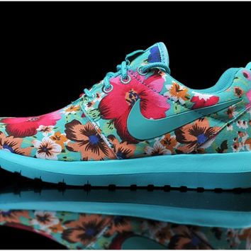 Nike Woman's Roshe London Olympics Print Running Shoes 004