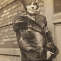 Great ANTIQUE FLAPPER PHOTO - a Sharp Gal showing off her Big Fur Coat and a Pretty Smile - Chicago 1927