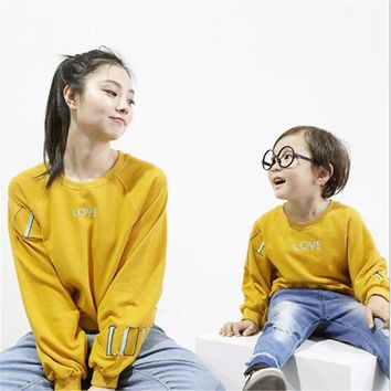 New Lovely Autumn 2017 Family Matching Outfits Mother And Son letter pattern Sweater Fashion  Long Sleeves T-Shirt Family Look