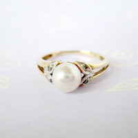 Vintage Pearl Ring 10k Yellow Gold Solid Gold Petite 4 Diamond Accents Set In White Gold Pretty Sweetheart Ring Pretty White Pearl