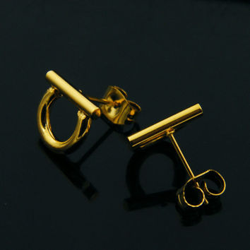 Fashion Jewelry Stainless Steel Vintage D Earring 18K Gold Plated Geometry Stud Earrings Party Gift Horseshoe Earrings for women