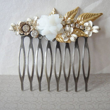 Small bridal vintage collage haircomb ivory white and by sayagdis