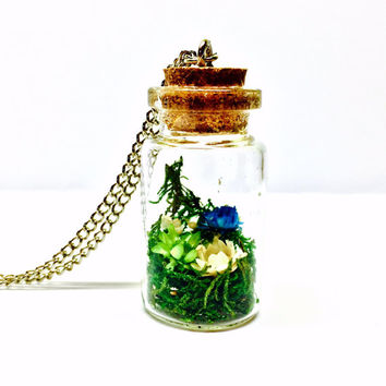Dried Flower Necklace, Terrarium Necklace, Plant Jewelry, Terrarium Jewelry, Floral Necklace, Real Moss, Dried Flowers, Glass Bottle