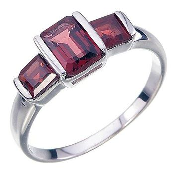 1.40 Carats Sterling Silver Garnet 3 Stone Ring (1.40 CT)