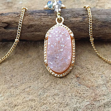 Natural peach Druzy crystal>> Gold necklace