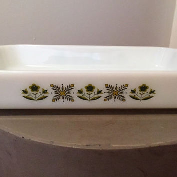 "Vintage 1960s Anchor Hocking Fire King 2 Quart Glass Baking Dish ""Green Meadow"" marked 431"