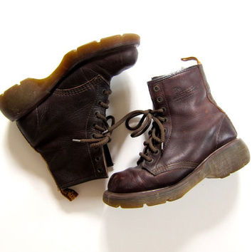 Doc Martens Combat Ankle Boots Brown Leather Chunky Grunge 90s Dr Martens 8 Holes Lace Up Distressed Army Boots Women's SIZE USA 6