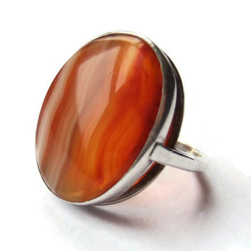 Vintage carnelian red banded agate ring, sterling silver modernist design, 1970s, #270.