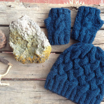 Autumn fashion./ Hand Knit Beanie  / Hat and gloves set : Blue color. Special set. Gift guide