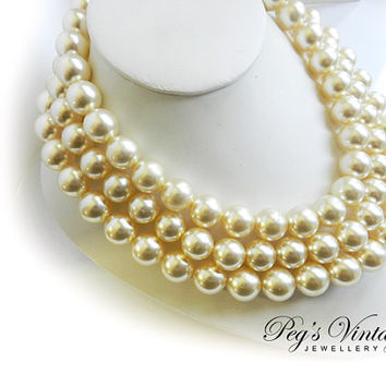 Vintage 3 Strand Large Ivory Pearls//Wedding Choker//Necklace 1950s Jewelry