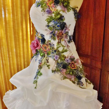 MADE TO ORDER Victorian Wedding Dress Train White Multicolor Lace Roses Embroidered Appliques Size 6-10