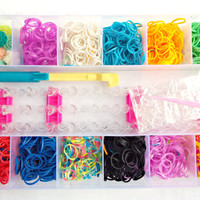 Large Loom Band Kit, DIY Bracelet Kit, 1600 Rubber Bands with S-Clips, Loom Board and Loom Hooks.  Kids Craft, Loom Board Set, Large Kit