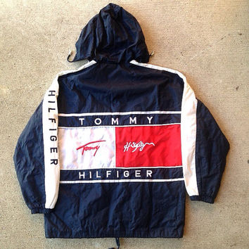 90 39 s tommy hilfiger light windbreaker big logo size l coat jacket. Black Bedroom Furniture Sets. Home Design Ideas