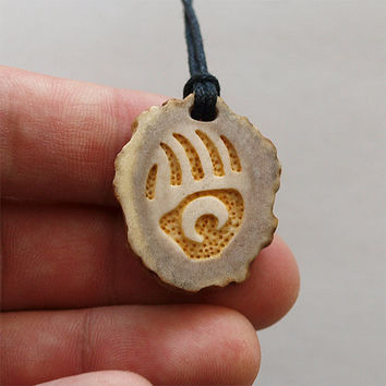 Hand carved - bear paw necklace pendant charm print handcrafted out of deer antler
