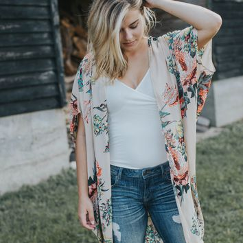 In The Wind Floral Kimono, Latte Mix