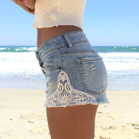 Coastal Access Shorts In Light Wash Denim