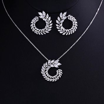 Olive Branch/ Wreath Shaped Pendant Set For Women